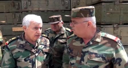 بتوجيه من الرئيس الأسد.. العماد أيوب يزور قواتنا العاملة في المسطومة ومحيطها بريف إدلب Hhjkhjk-20150412-205427